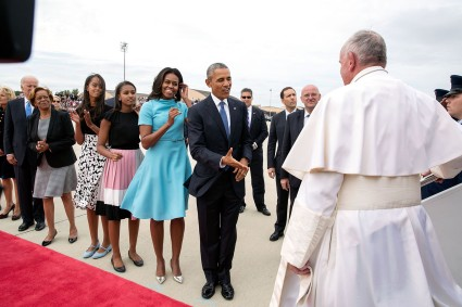 obama_family_and_biden_family_greet_pope_francis